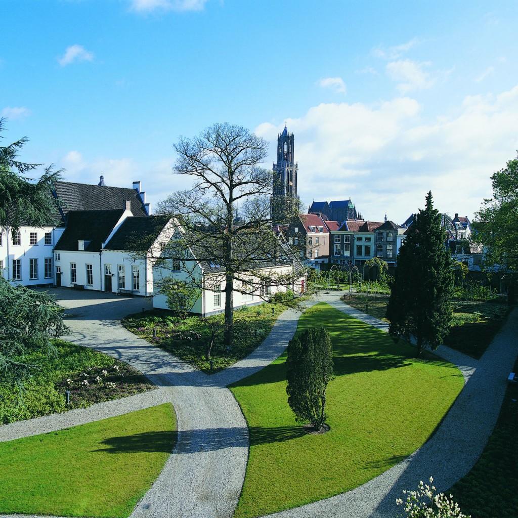 Utrecht_GrandHotelKarelV_hotel